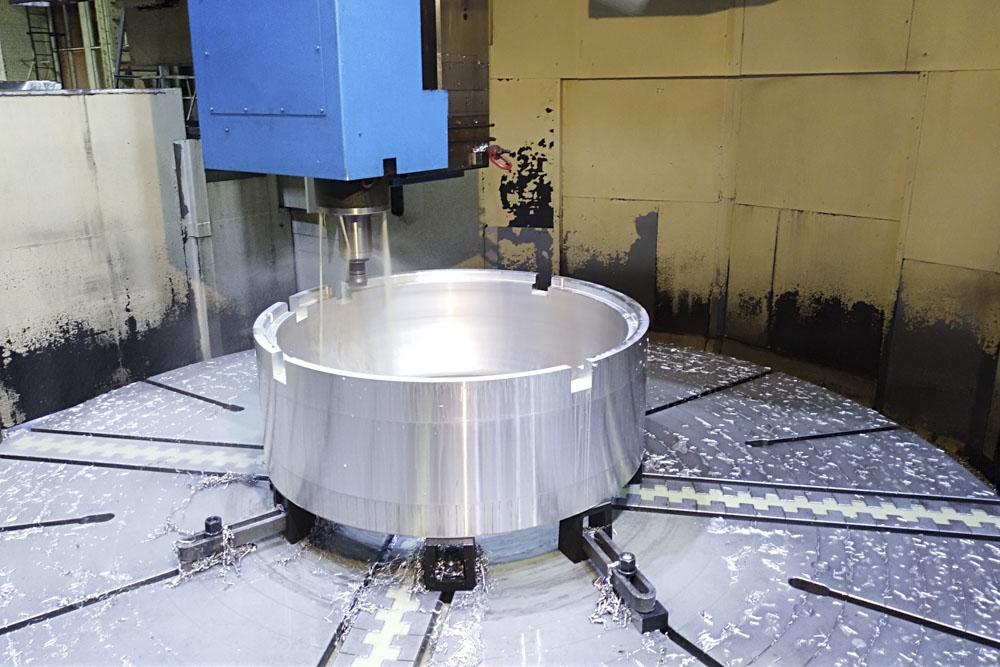 Usinage de grandes pièces sur machine outil